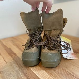 NWT Belleville MCB 950 Boots